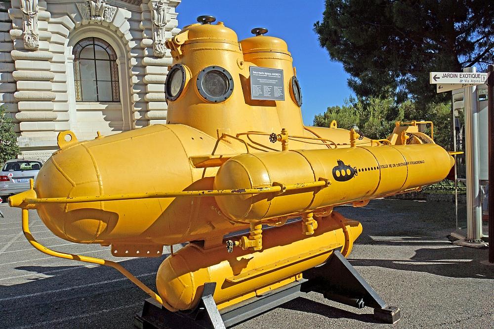jacques-cousteau-anorep-i-monaco.jpg