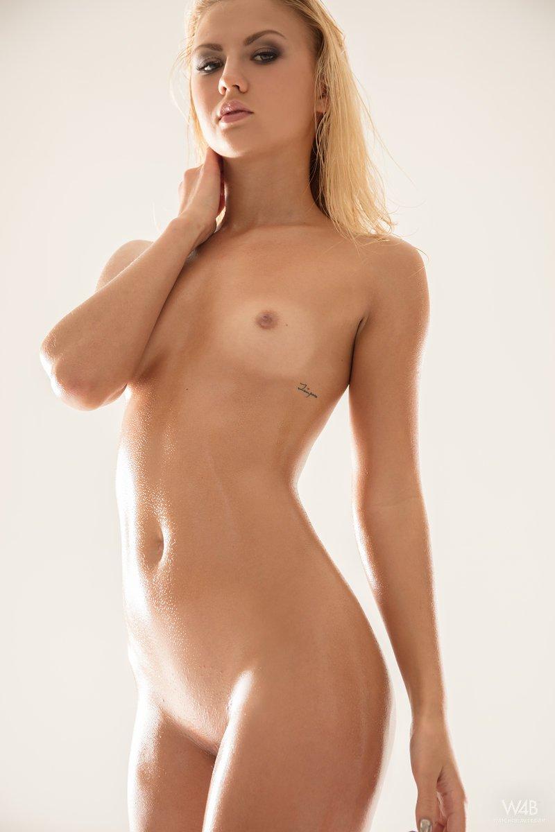jati-in-oiled-body-by-w4b-06.jpg