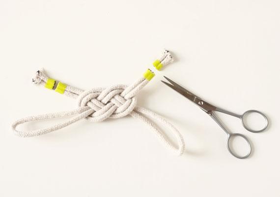 etsy-howto-sailorsknot-bracelet-005.jpg