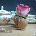Háromszázhuszadik nap: Rózsafejek tojáshéjvázában