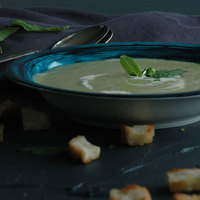 Potage Saint-Germain (mentás zöldborsókrémleves)