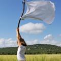 Lobogtasd meg a fehér zászlót és add meg magad Istennek!
