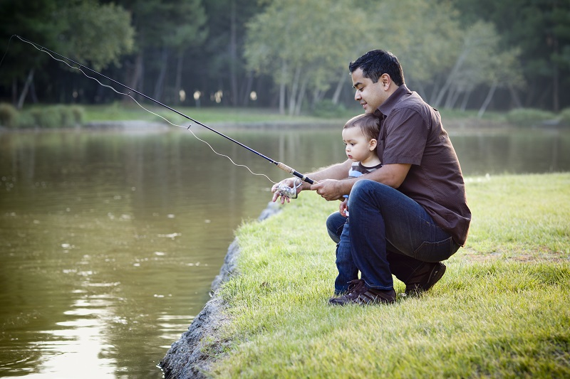 fishing-family-child-fishing-toddler-fishing.jpg