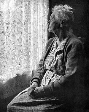 lonely-old-woman.jpg