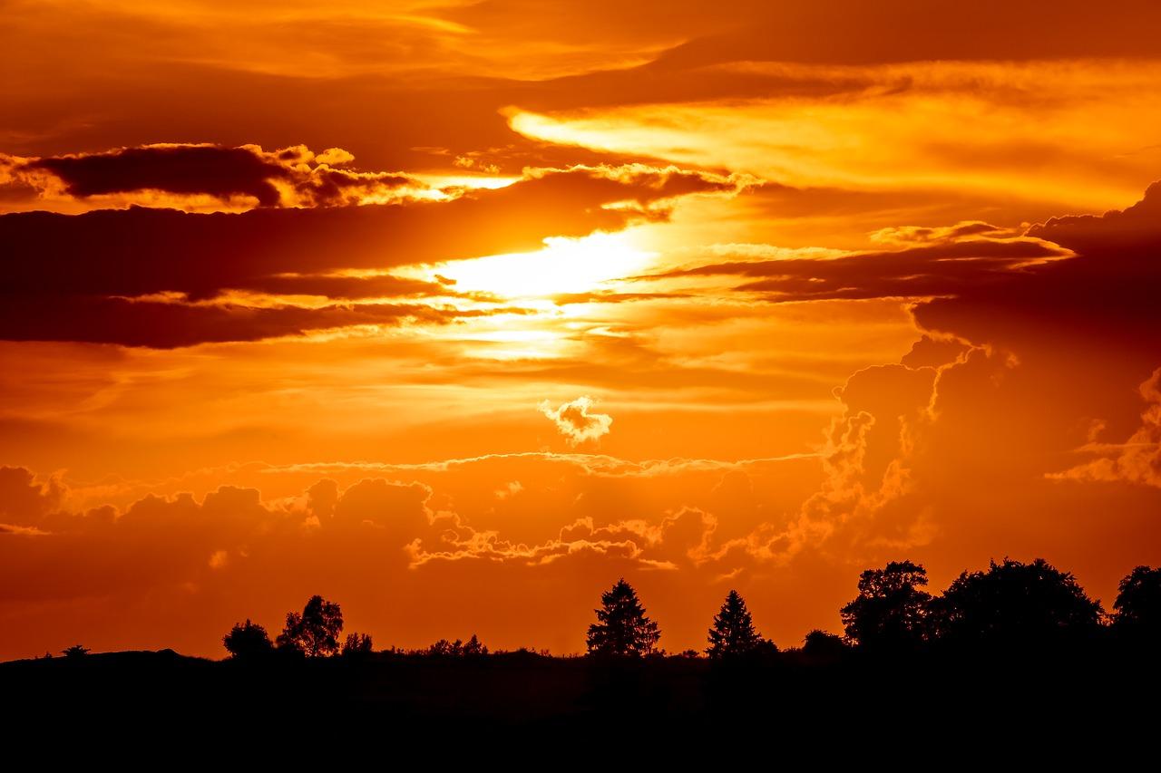 sunset-3445223_1280.jpg
