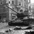 A T-34 szovjet közepes harckocsi, az 1956-os forradalom egy fő típusa
