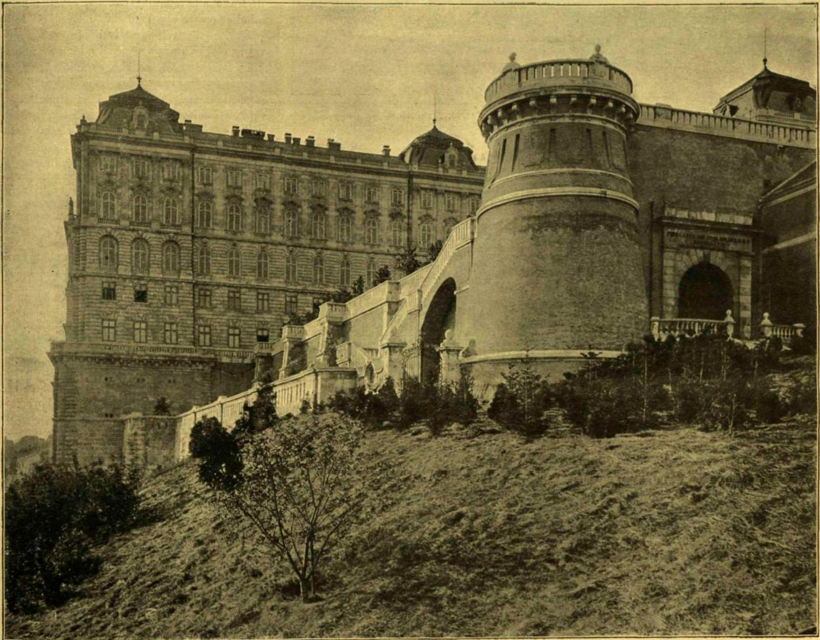 budapest-i-kerulet-budai-var-buzogany-torony-_15.jpg