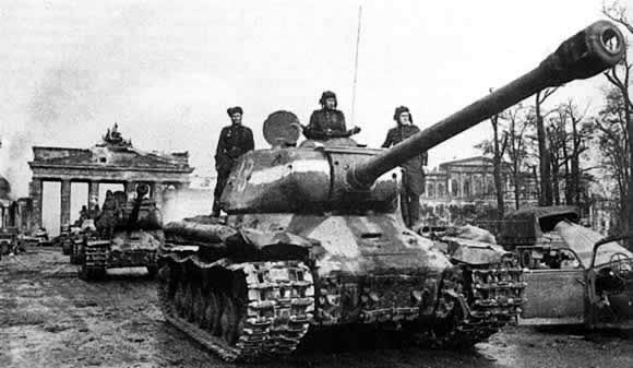 is-2-brandenburggateberlin45.jpg