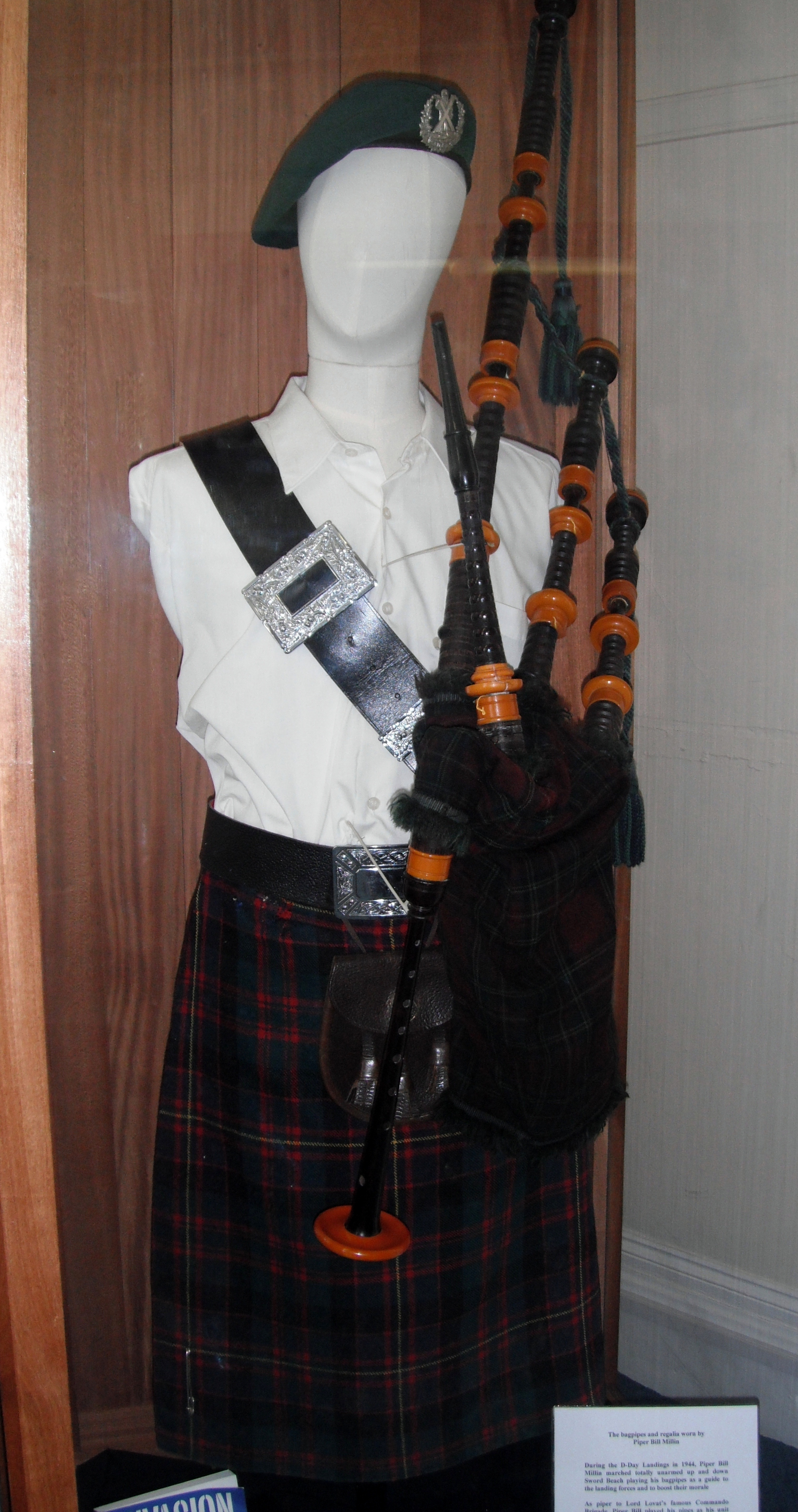 piper_bill_millin_s_d-day_bagpipes_dawlish_museum.jpg
