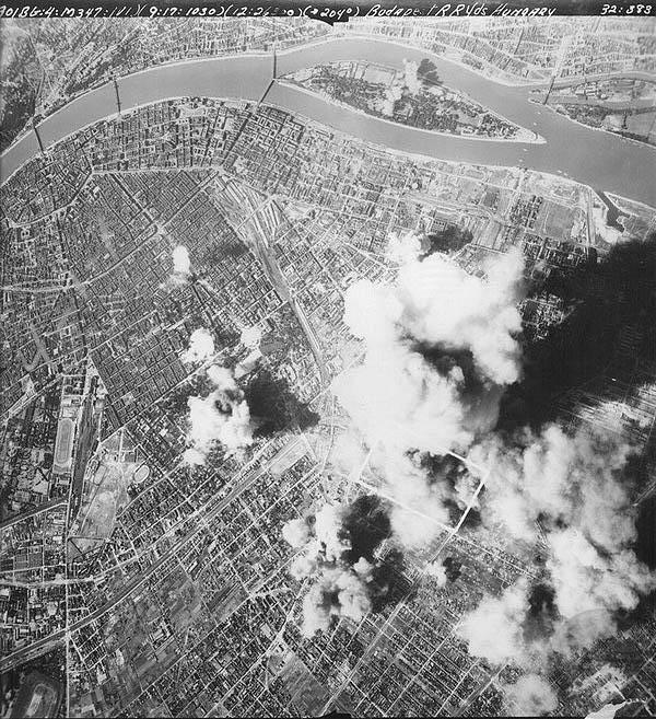 budapest-bombazasa.jpg