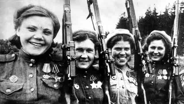 szovjet-noi-mesterloveszek.jpg