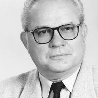 Dr. Szász Tibor