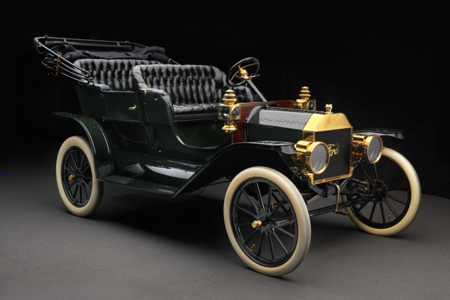 ford-model-t-touring-front-3_4-900x600.jpg