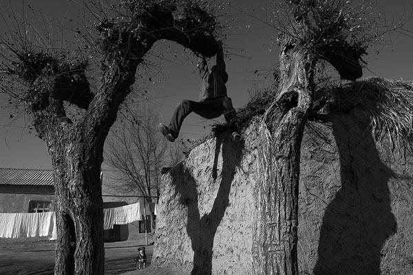 Menekülőben © Anzor Buharsky