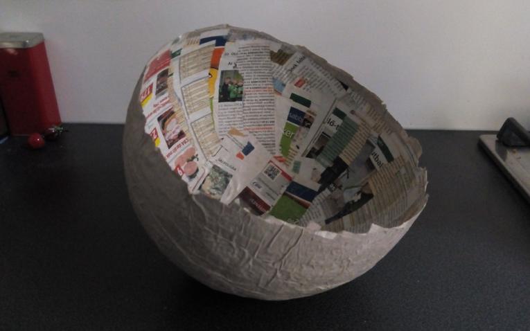 Recycling hobbi: tál papírmaséból