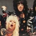 """""""Hogy a kajaszag elnyomja a punciszagot"""": a Mötley Crüe-krónikákból"""