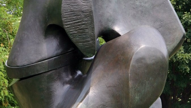 Henry Moore: Locking Piece