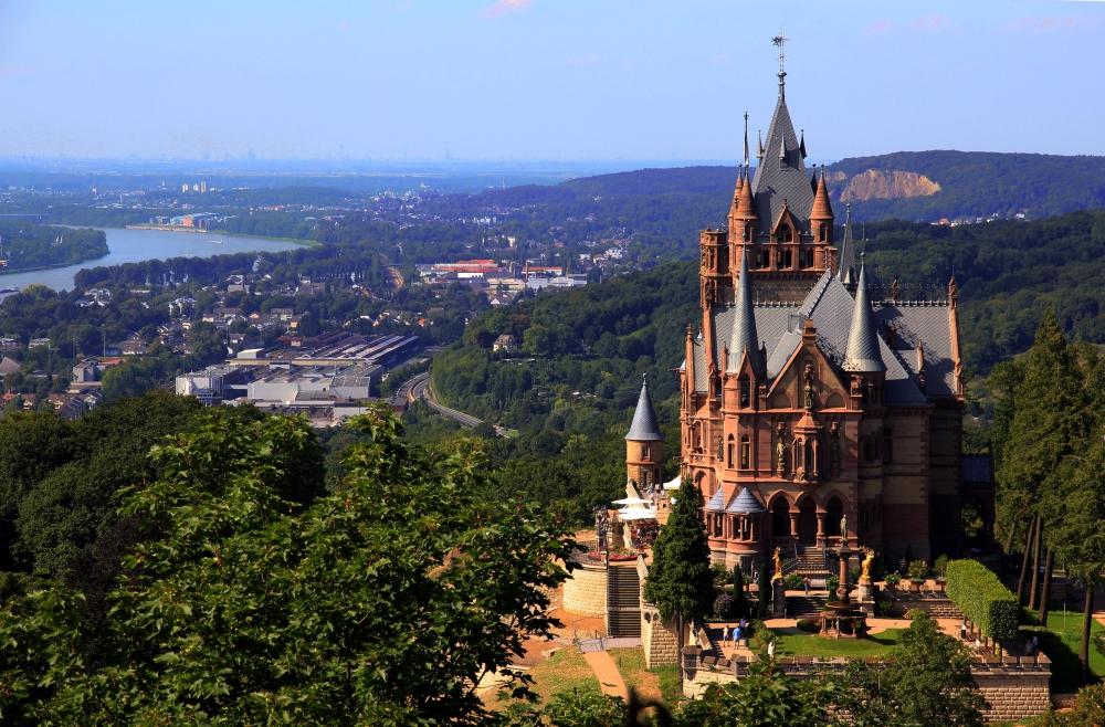 drachenburg-kastely_1399666934.jpg_1000x658