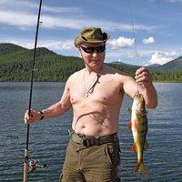 Putyin eknök lazít: horgászat, vadászat és rengeteg kaland a bajtársakkal