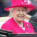 II, Erzsébet fenséges kalapjai