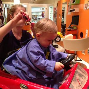 Így mosd a gyerek haját! - tévhitek a kicsik hajápolásáról