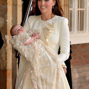 Megkeresztelték György herceget!