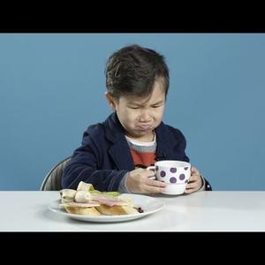 Az amerikai gyerekek megkóstolták, mit reggeliznek más országokban