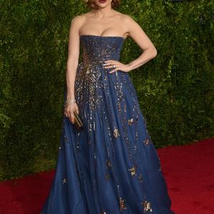 Jennifer Lopez és egy plüss ruha. A Tony Awards legérdekesebb szettjei