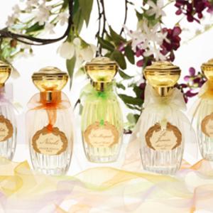 Készíts parfümöt Roger Moore feleségének!