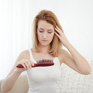 A fogyókúra is lehet a hajhullás oka? (x)