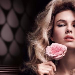 Mert aki a rózsát szereti, annak a vékonyszálú haja is szép lesz!