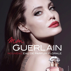 Angelina Jolie tetoválást villantott