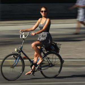 Így kerékpározz szoknyában!