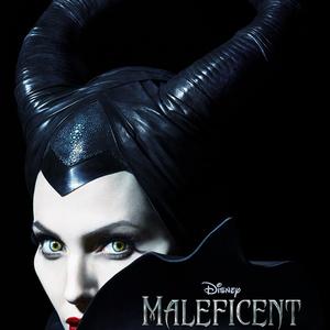 A MAC és Angelina Jolie