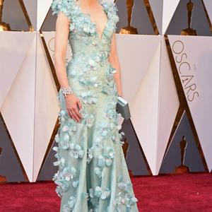 Az Oscar legszebb ruhái a virágos kéktől a dögös vörösig