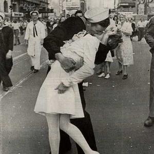 Csókolózni márpedig jó! + egészséges is