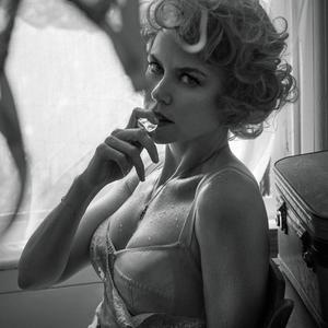 Nicole Kidman retro és dekadens és igazi