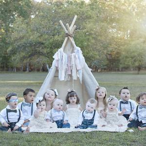 Down-szindrómás babák csodás képeken
