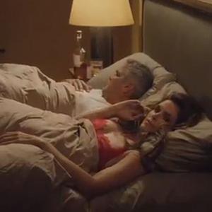 George Clooney és Cindy Crawford egy ágyban!