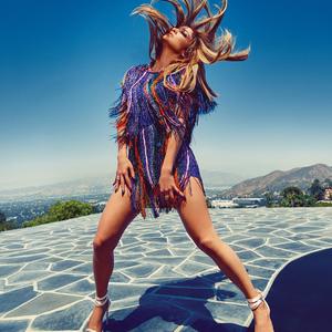 Jennifer Lopez alakját és cipőit is szeretnénk, köszi!