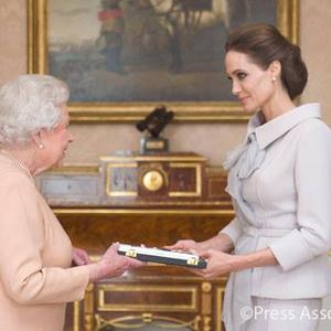 Angelina lovag lett