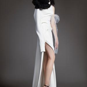 Vera Wang a romantikusan durcás menyasszonyoknak tervez