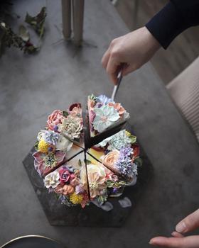 Édesség a virágoskertből