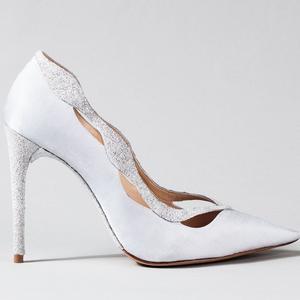 Cinderella topánok a legmenőbb tervezőktől. Jimmy Choo vagy Ferragamo?