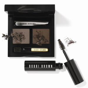 Bobbi Brown szemöldök