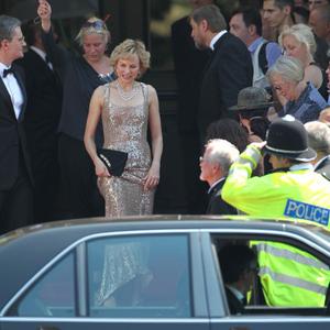 Ilyen Naomi Watts Diana hercegnőként!