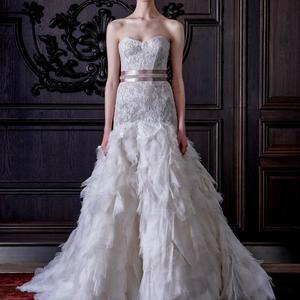 Csodaország menyasszonyi ruhái: Minique Lhullier