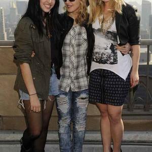 Madonna lánya Kelly Osbourne-t pózoltatta