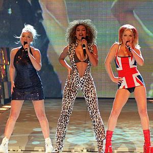 Született feleségek stílusban a Spice Girls dal Eva Longoriától