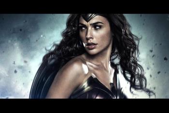 Benned is ott bujkál egy Wonder Woman